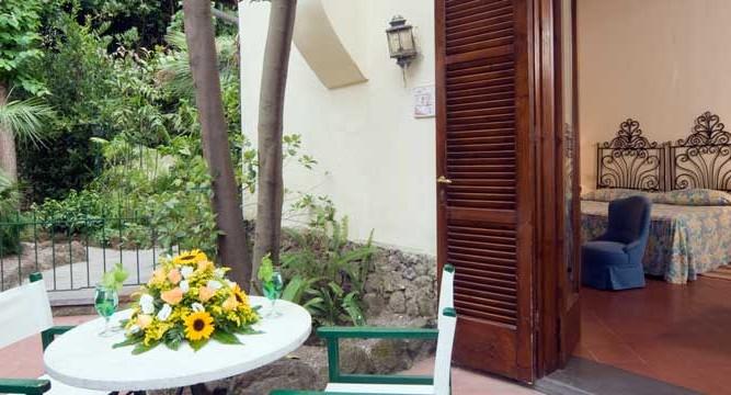 Camera-Giardino-La-Villarosa