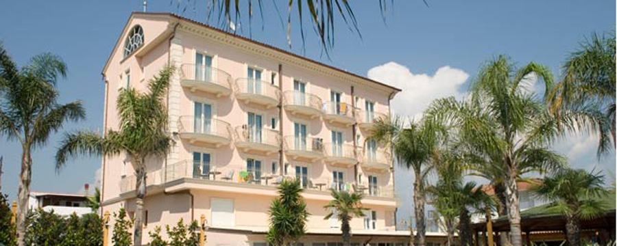 Hotel-Stella-Maris-Facciata-Marina-di-Casalvelino