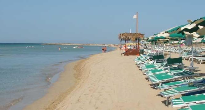 arco-del-saracino_beach