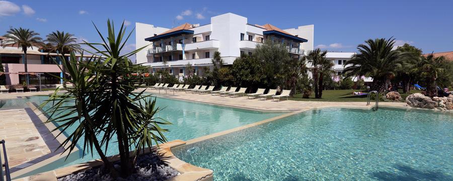 I giardini d 39 oriente nova siri gialpi travel - Hotel villaggio giardini d oriente ...