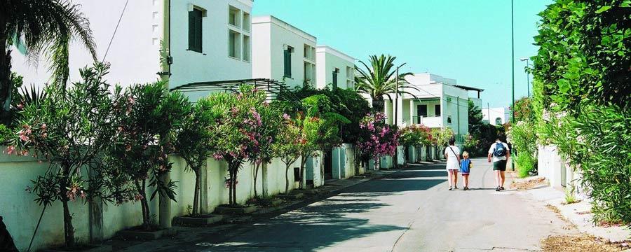 Appartamenti-Baia-verde-vialetto-Gallipoli