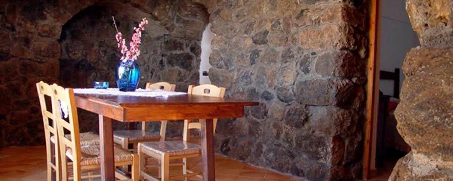 dammusi-sciuvechi-esterno-pantelleria