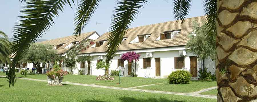 Nausicaa-village-sant-andrea-sullo-jonio-giardino