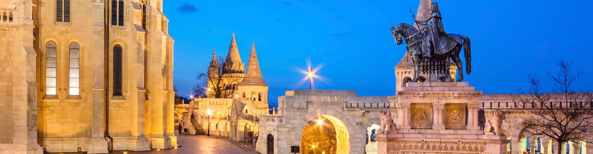 monumento-Bastion-Pescatori-Budapest-iStock_000069771023_Medium
